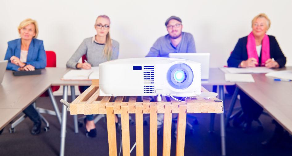 Érdekességek a projektorok fényerejéről – Az ANSI Lumen szabvány