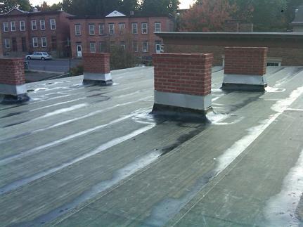 Mit tegyünk, ha beázott tetőnk?
