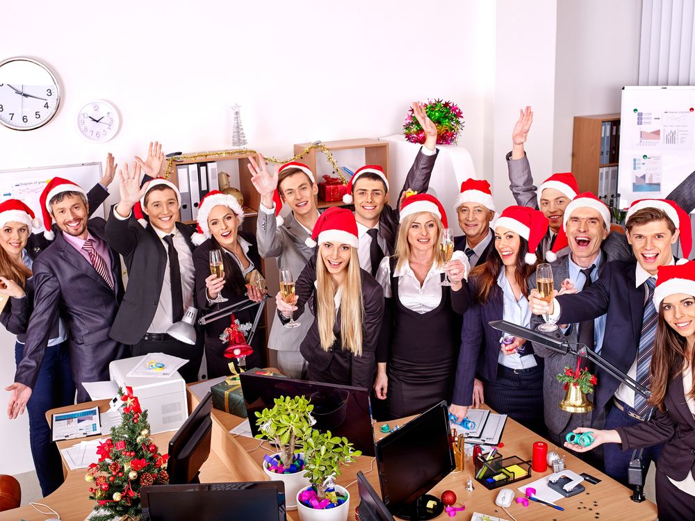 Milyen karácsonyi reklámajándékokat nyújtsunk át cégünk nevében?