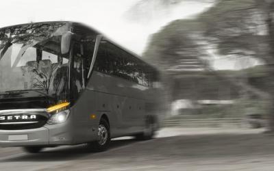 Kényelmes autóbuszokat bérelhet kedvező árakon, Győrben