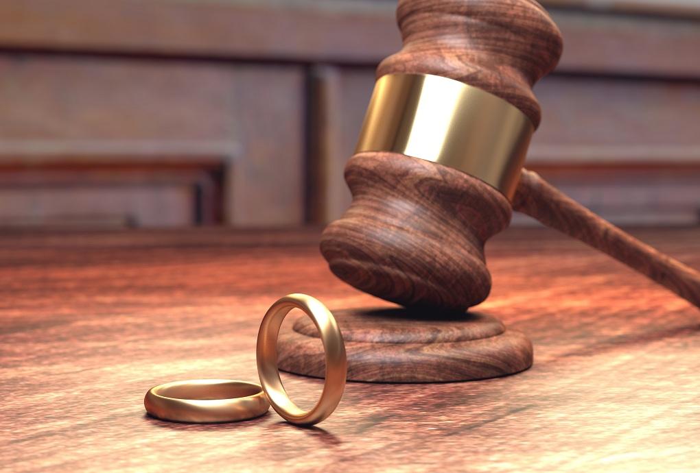 Amikor a megoldás a válóperes ügyvéd