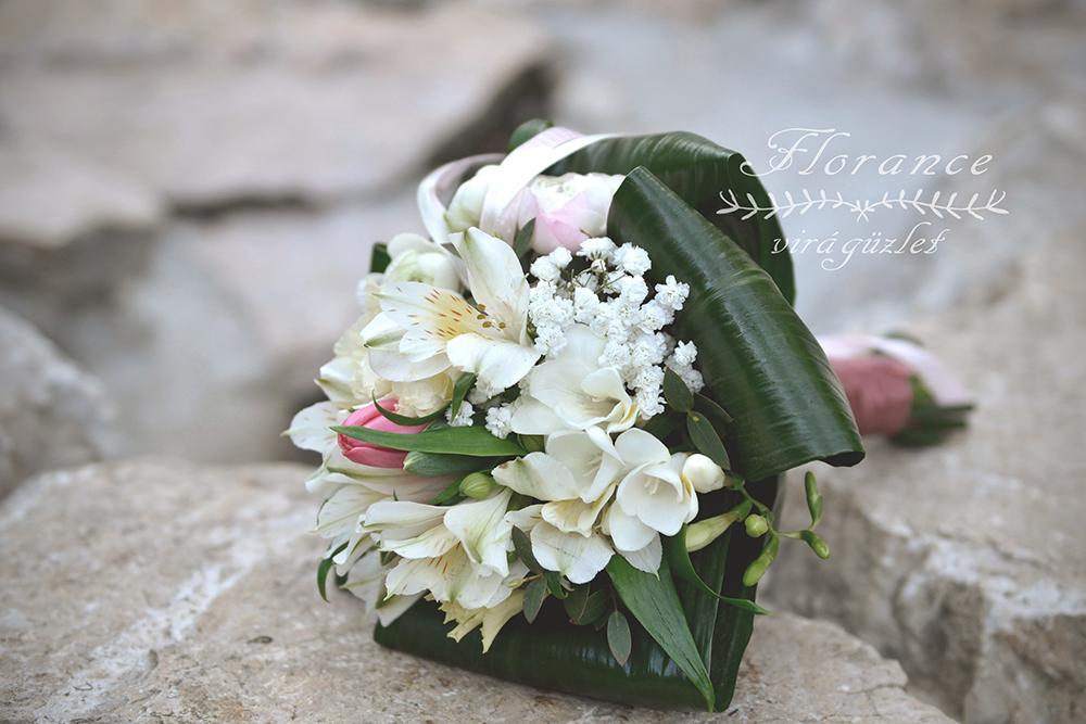 Kreatív esküvői csokrok friss virágokból