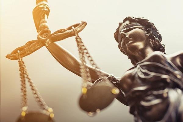 Hogyan oldjuk meg a pontos jogi szakfordítást?
