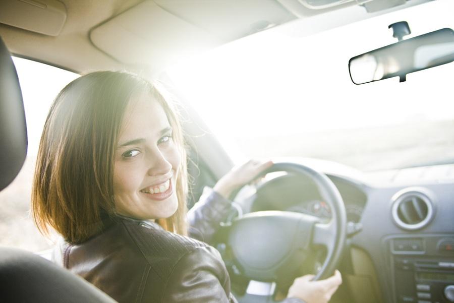 Ismerkedjen meg a női sofőrszolgálattal!