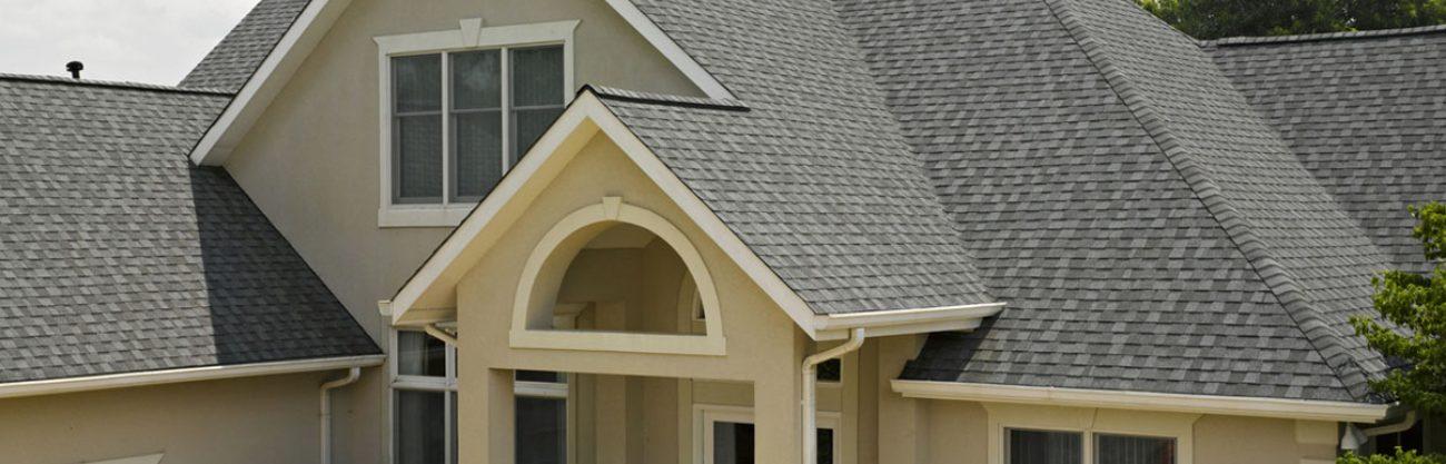 Nagyszerű megjelenésű zsindelyes tető készítése