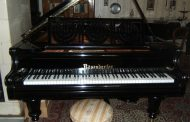 Zongorák és antik bútorok restaurálása