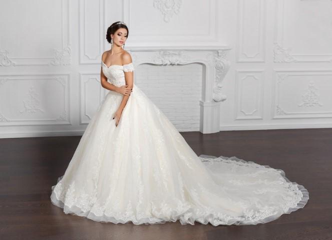 Ismerje meg esküvői ruhaszalonunkat!