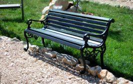 Kényelmes köztéri bútorokat vehet parkokba is