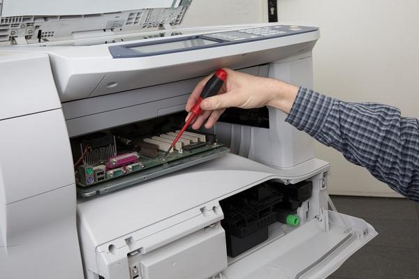 Az iroda élete sokkal egyszerűbb lesz a HP színes nyomtató másológépekkel!