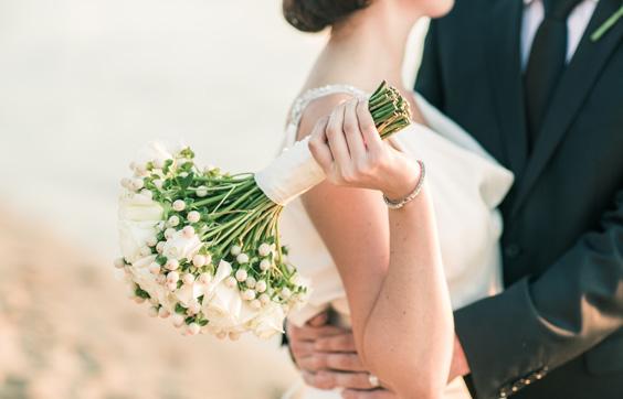 Megbízhatóság és szakértelem: válasszák az esküvői DJ-t!
