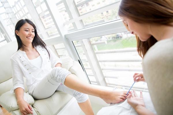 Egészségügyi bútorok, pedikűrös kezelőágyak, tetováló bútorok: ismerje meg ajánlatunkat!