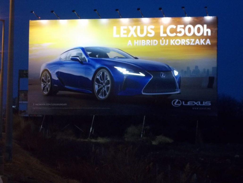 Mondjon igent a világító reklámtáblákra!